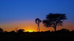 Sonnenaufgang über Namibai lizenzfreie stockbilder