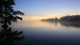 Sonnenaufgang über Reelfoot See Lizenzfreies Stockfoto