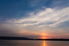 Sonnenaufgang in Angra DOS Reis Stockbild