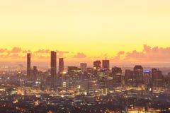 Sonnenaufgang-Ansicht der Brisbane-Stadt vom Berg-Blässhuhn-tha Stockbild