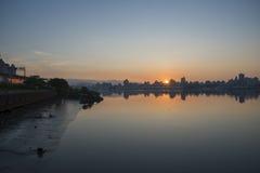 Sonnenaufgang-Ansicht von Taipeh-Stadt lizenzfreie stockfotos