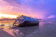 Sonnenaufgang an AO Chalong Lizenzfreie Stockfotografie