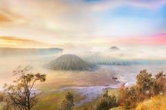Sonnenaufgang auf Berg Bromo Stockfotos