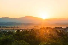 Sonnenaufgang auf Bergen Lizenzfreies Stockbild