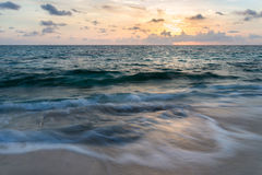 Sonnenaufgang auf dem Atlantik Stockfoto