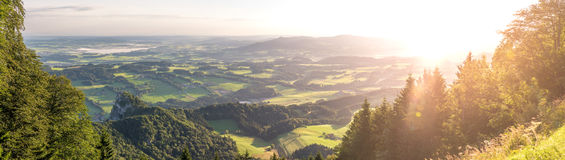 Sonnenaufgang auf dem Gaisberg in Salzburg, Österreich Lizenzfreies Stockfoto