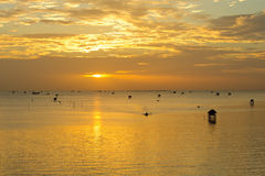 Sonnenaufgang auf dem Meer Stockfotos