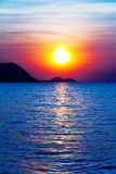 Sonnenaufgang auf dem Ozean Stockfotos