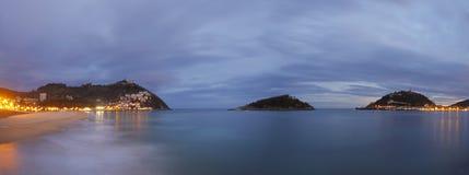 Sonnenaufgang auf dem Strand von LaConcha, Donostia Lizenzfreies Stockfoto