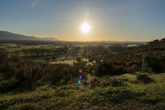 Sonnenaufgang auf dem Tal lizenzfreie stockfotografie