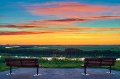 Sonnenaufgang auf der Bank lizenzfreie stockfotografie