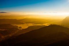 Sonnenaufgang auf der Berg-Adam-` s Spitze Sri Lanka Lizenzfreies Stockfoto