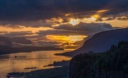 Sonnenaufgang auf der Columbia River Schlucht Stockfotos
