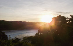 Sonnenaufgang auf der Küste Stockbild