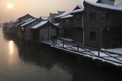 Sonnenaufgang auf einer alten Stadt Lizenzfreie Stockbilder
