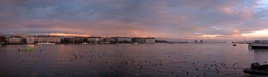 Sonnenaufgang auf Jura Mountains in Genf, die Schweiz lizenzfreie stockbilder