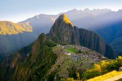 Sonnenaufgang auf Machu Picchu, die verlorene Stadt des Inkas - Peru lizenzfreie stockfotografie