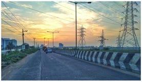 Sonnenaufgang auf Straßen-Ansicht lizenzfreies stockbild