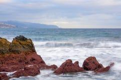 Sonnenaufgang auf vulkanischem Strand des schwarzen Sandes Teneriffa Lizenzfreie Stockfotografie