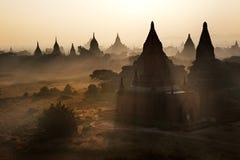 Sonnenaufgang bei Bagan, Myanmar Stockfotos