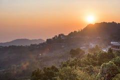 Sonnenaufgang bei Doi Mae Salong Chiang Rai, Thailand Stockfotos