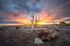 Sonnenaufgang bei Hokitika auf der Westküste von Neuseeland-` s Südinsel lizenzfreie stockbilder
