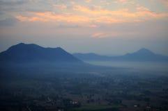 Sonnenaufgang bei Phu Tok Lizenzfreie Stockfotos