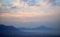 Sonnenaufgang bei Phu Tok Stockbild