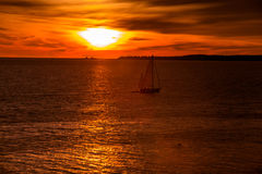 Sonnenaufgang über dem Atlantik Lizenzfreies Stockfoto