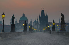 Sonnenaufgang-Charles-Brücke, Prag, Tschechische Republik Lizenzfreie Stockbilder