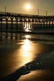 Sonnenaufgang-Cherry Grove Pier Myrtle Beach-Porträt Stockfotos