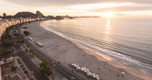 Sonnenaufgang an Copacabana-Strand stock video