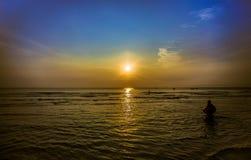 Sonnenaufgang in dem Meer Stockfoto