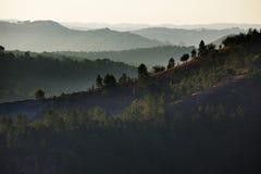 Sonnenaufgang in den Bergen Lizenzfreie Stockfotografie