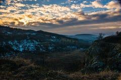 Sonnenaufgang in den Bergen Stockfoto