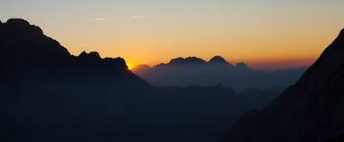 Sonnenaufgang in den Dolomit stockfotografie