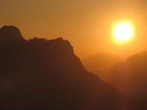 Sonnenaufgang in den Dolomit stockbild