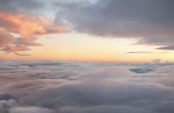 Sonnenaufgang in den Himmeln Stockfotos