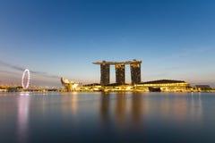 Sonnenaufgang an den Jachthafenbuchtsanden, Singapur stockbilder