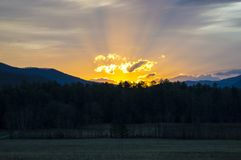 Sonnenaufgang in den rauchigen Bergen von Tennessee Stockfotos