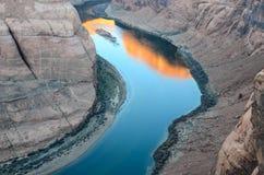 Sonnenaufgang an der Kehre in der Seite, AZ, USA Stockfotografie