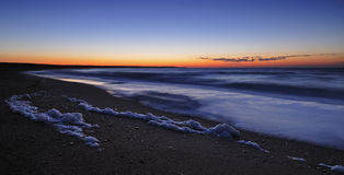 Sonnenaufgang an der Seeküste Lizenzfreies Stockfoto