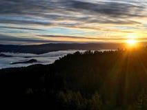 Sonnenaufgang an der Spitze der Welt Lizenzfreies Stockbild