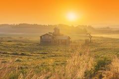 Sonnenaufgang des Bauernhauses in der Korea-Landschaft Anseong-Ackerland Stockbild