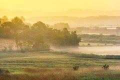 Sonnenaufgang des Bauernhauses in der Korea-Landschaft Anseong-Ackerland Stockfoto