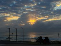 Sonnenaufgang dunkler stockfoto