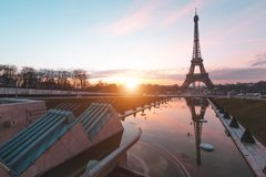 Sonnenaufgang am Eiffelturm Paris, Frankreich Stockfoto