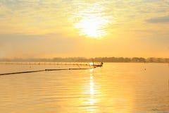 Sonnenaufgang in Fluss Lizenzfreies Stockfoto