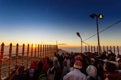 Sonnenaufgang grüßte Pilger auf der heiligen Berg Adams-Spitze Lizenzfreies Stockbild