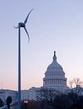 Sonnenaufgang hinter der Haube des Kapitols in Gleichstrom Stockfoto